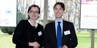 Bozana Douriez (BNP Paribas Factor) a remis le trophée d'or à Pascal Boisliveau (La Maison Bleue).