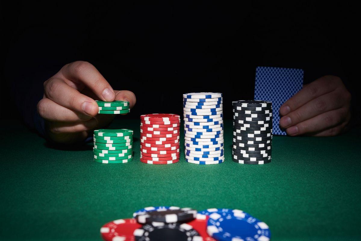 Poker memory techniques
