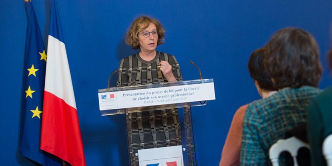 Muriel Pénicaud lors de la présentation à la presse du projet de loi pour la liberté de choisir son avenir professionnel, le 6 avril 2018.