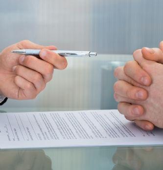 Comment rédiger un contrat de travail | Dossier : La boîte à outils du droit social
