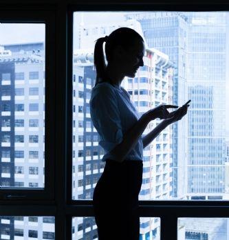 Téléphone de fonction: les règles à respecter | Dossier : La boîte à outils du droit social